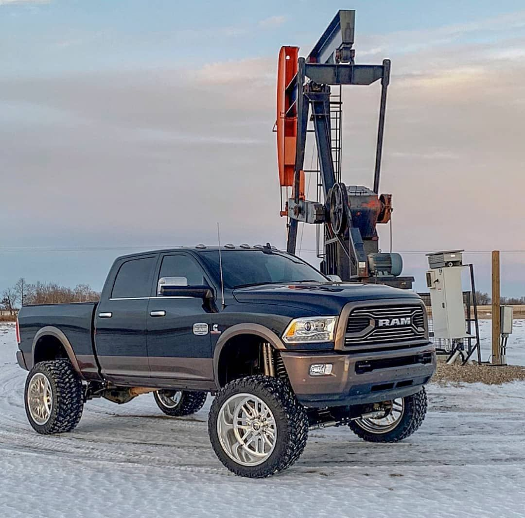Top 25 Dodges Lifted Trucks With Amazing Designs Trucks Cummins Trucks Lifted Trucks
