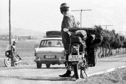 Resultado de imagen de foto antiguos guardias civil de trafico