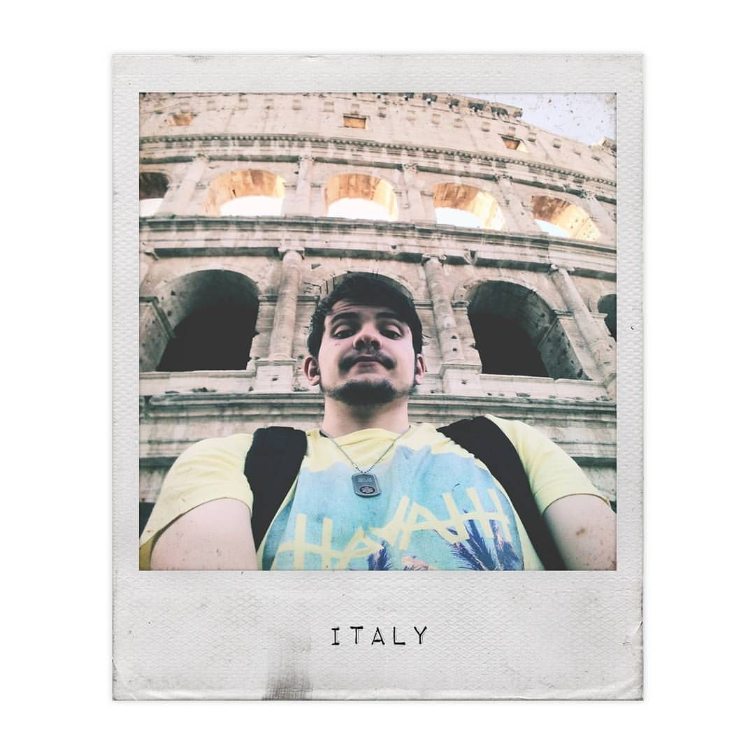 """"""". United by wanderlust in Italy with our fellow wanderer in our Vintage Palms Round-Neck Tee.…"""""""