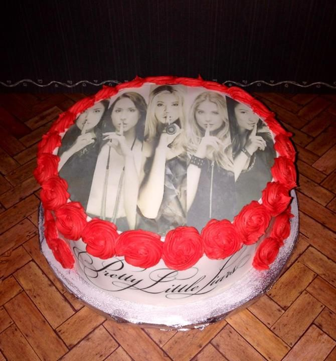 Look at this A-mazing #PLL cake that Carmel Dare made for her PLL Party tonight!