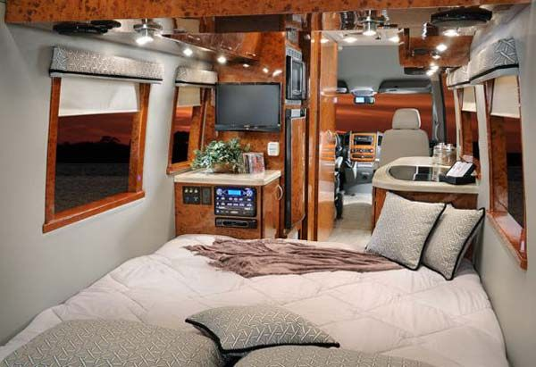 Four Winds Ventura class B motorhome interior with bedroom arrangement. Four Winds Ventura class B motorhome interior with bedroom