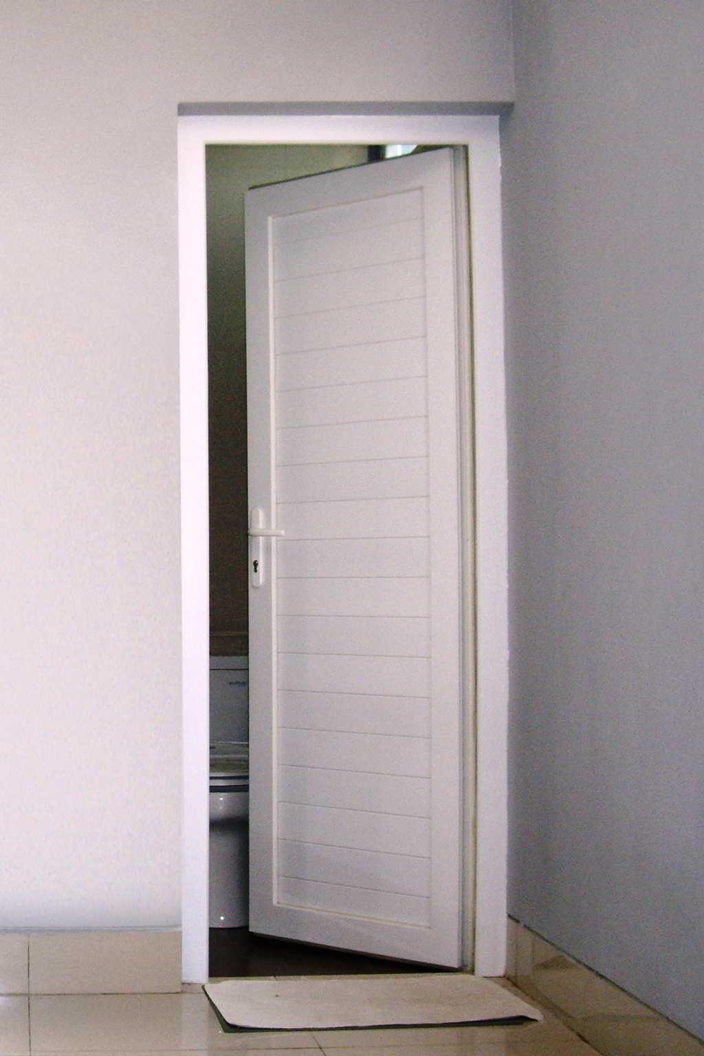Desain Pintu Kamar Mandi Minimalis Desain Toilet Dekorasi Kamar Mandi Kecil Ide Kamar Mandi Pintu untuk kamar mandi