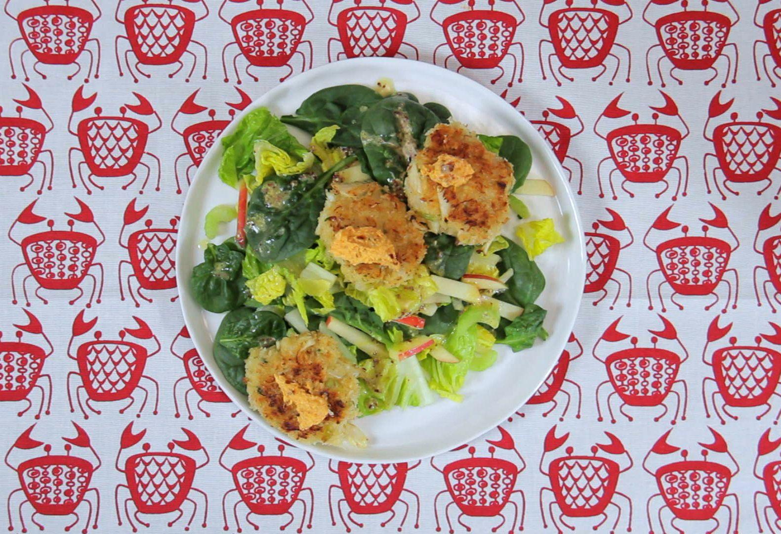 Crab cake salad healthy lunch doityourself salad