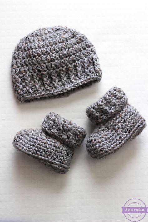 Baby crochet hat and booties b | Zapatitos de bebe | Pinterest ...