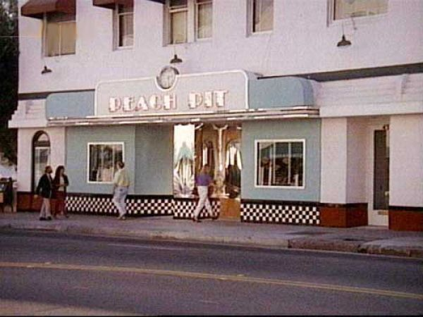 Rose City Diner Peach Pit Beverly Hills Beverly Hills 90210