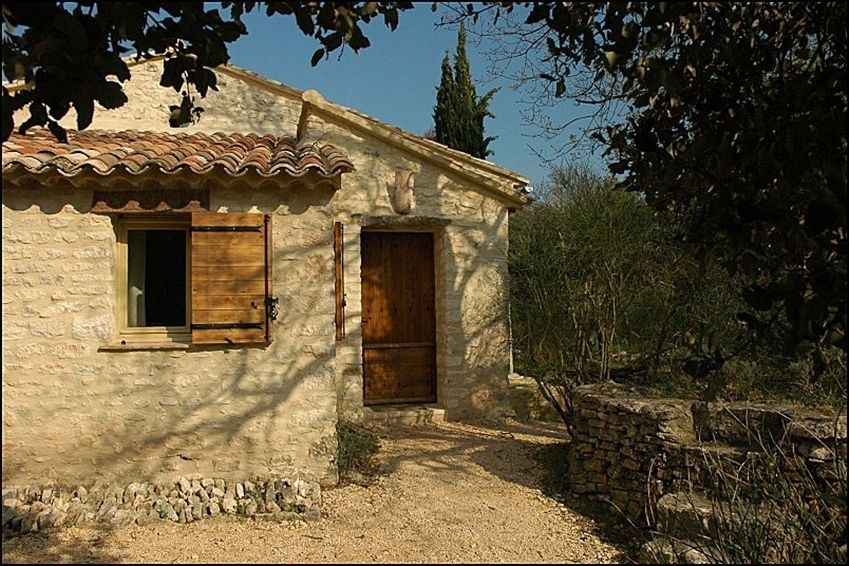 """Gite """"Lo jas dei Barrulaires"""" - my friend Betty's stone cottage in Luberon, Provence"""