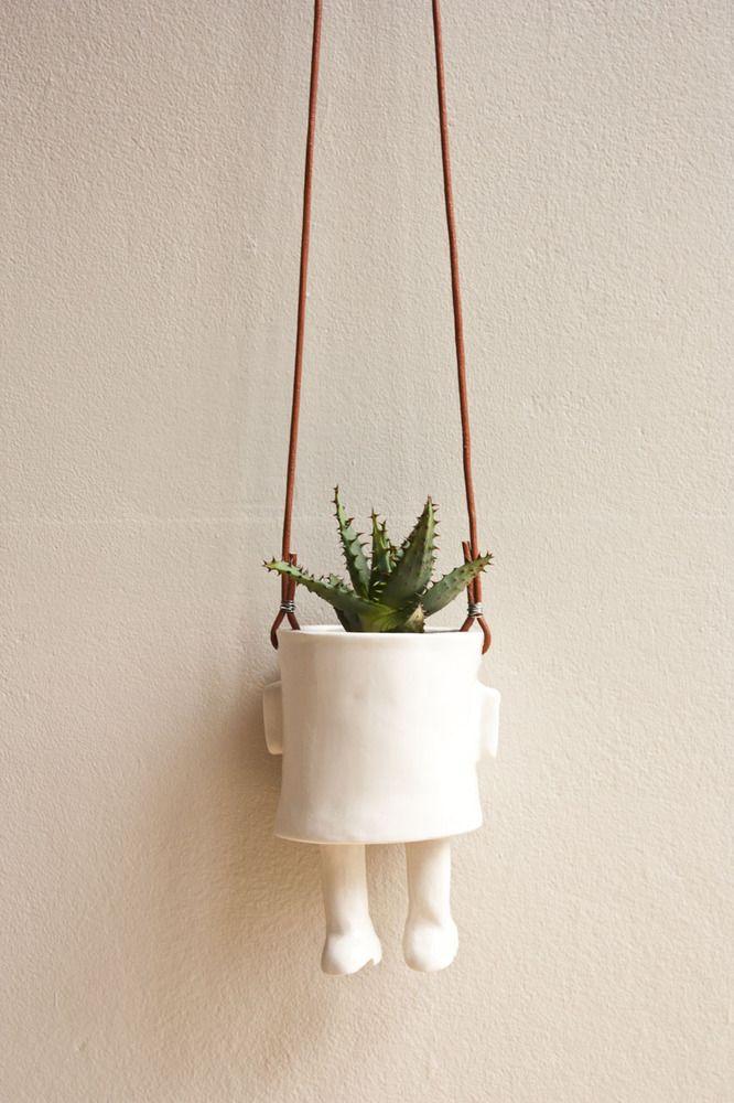 Colgado - Maceta cerámica / Ceramic pot - Hanging.  Wacamole ceramic.