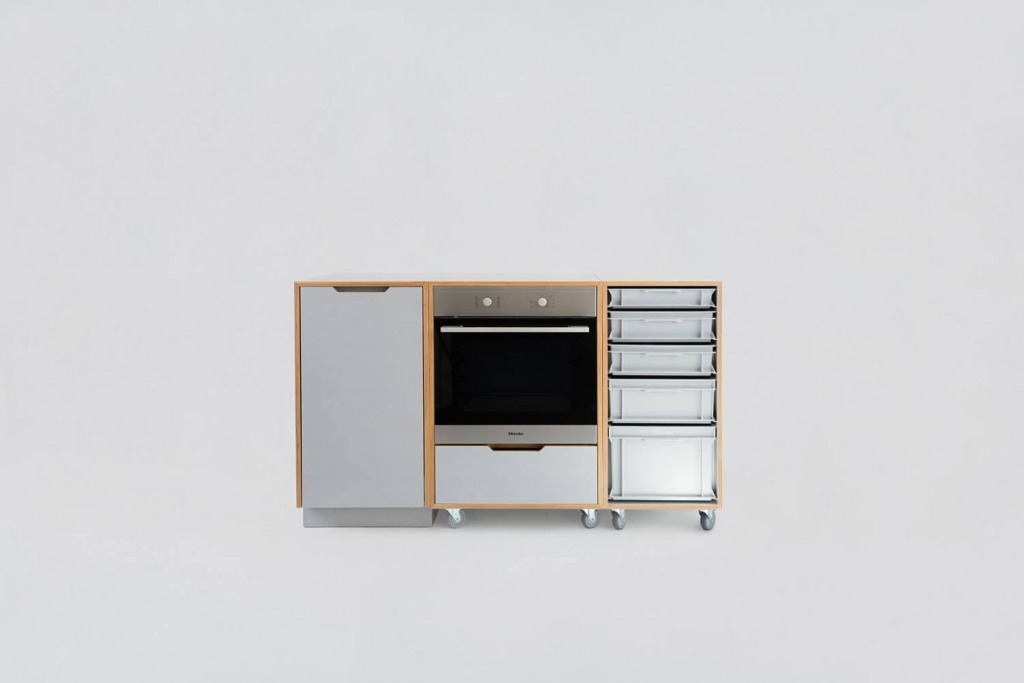 Non Modular Kitchen Organisation