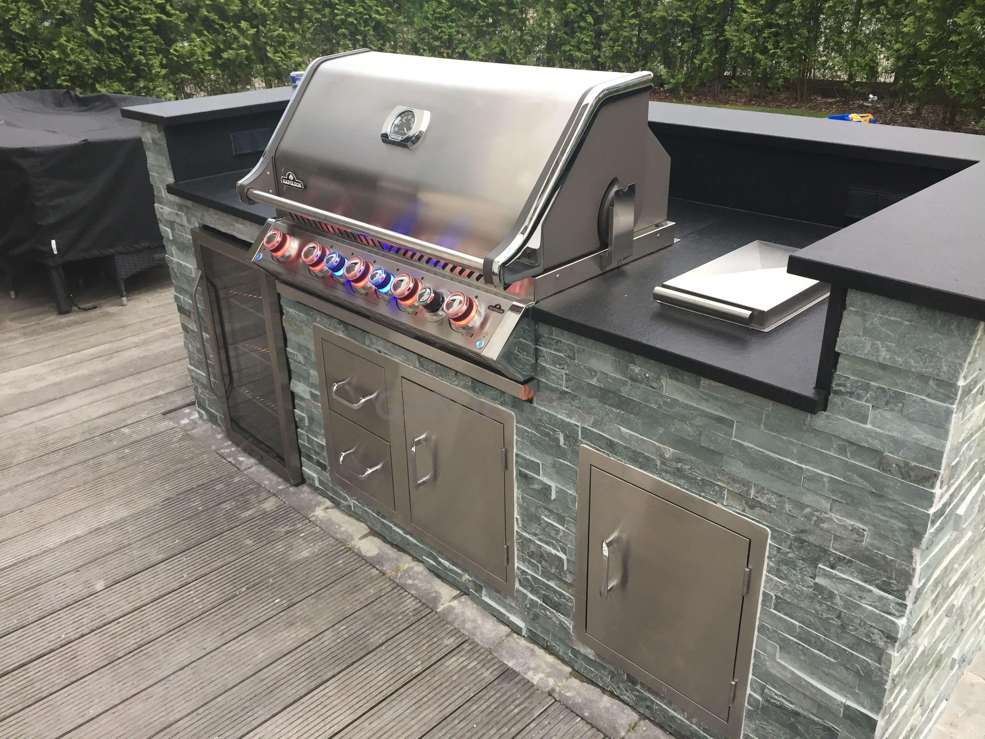 Edelstahl Tür Outdoor Küche : Inspiration: kleine selbstgebaute freistehende outdoorküche aus