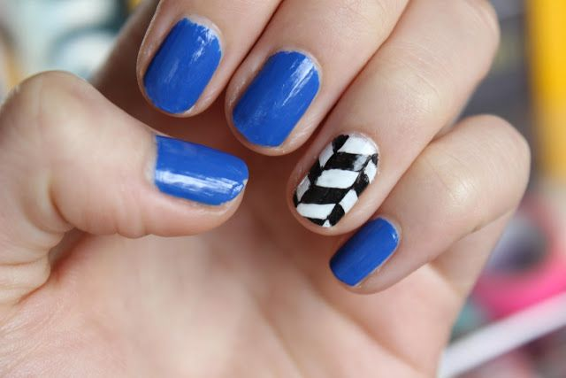 Black And White Herringbone Nail Art By Totally Elsa Pretty Nails