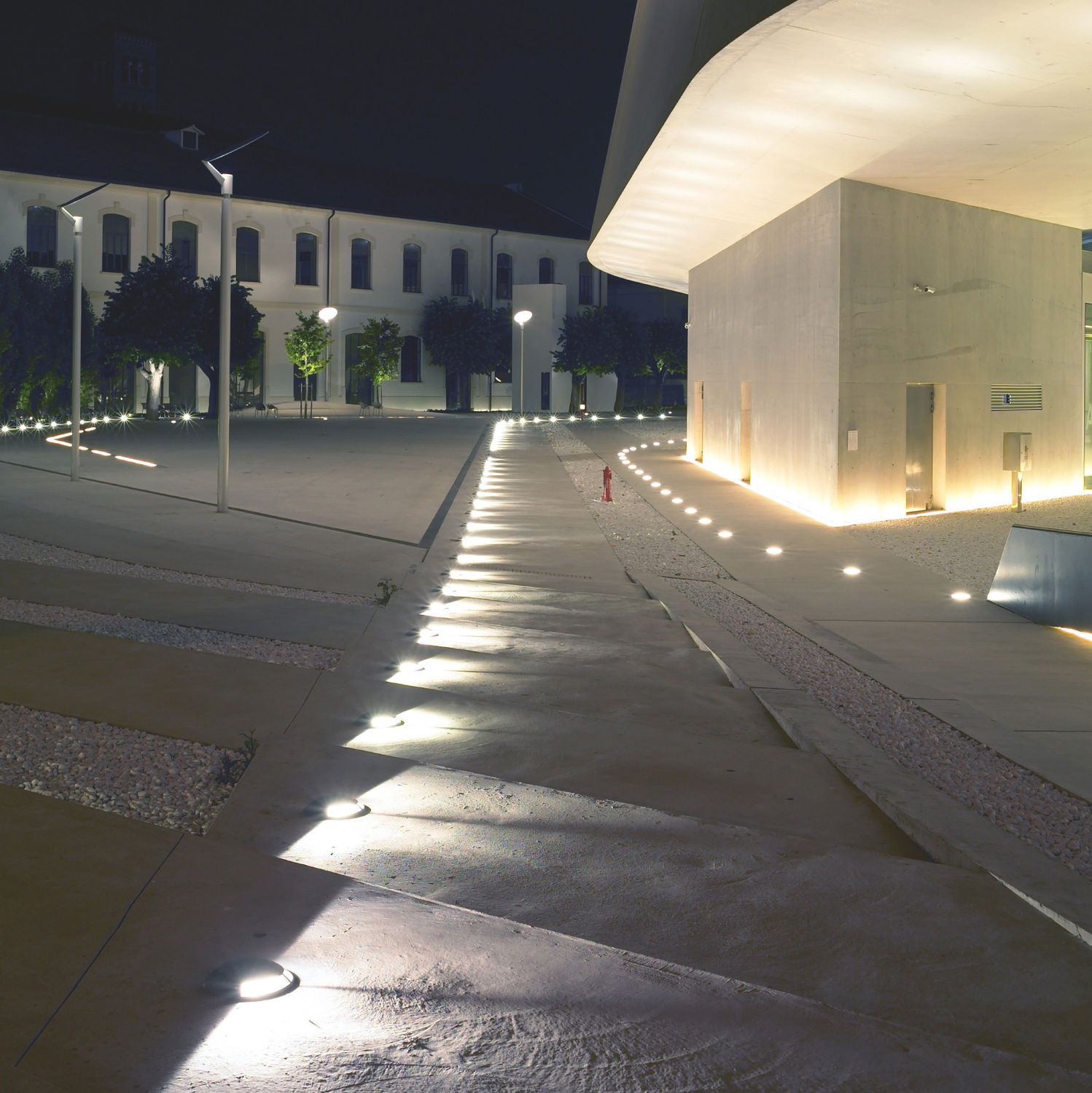 Outdoor recessed lighting concrete patio and knockout for Luminaire outdoor design