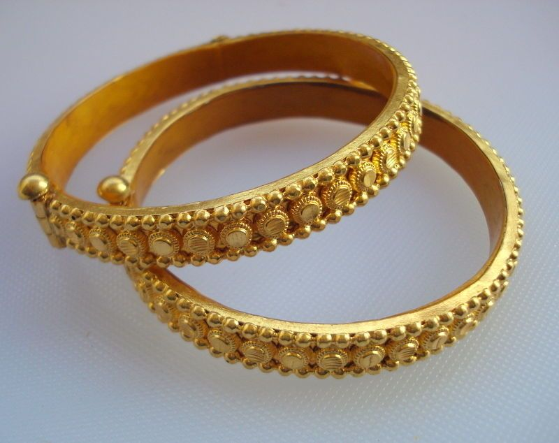 Excellent Nepali New Designer Gold Kangan Pics Pictures ...