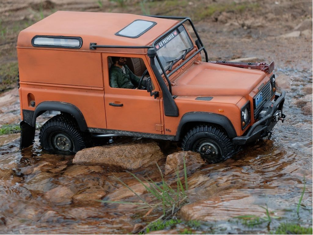 beautiful scale land rover defender radio controlled truck. Black Bedroom Furniture Sets. Home Design Ideas