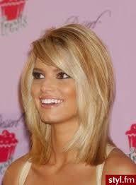 Grzywka Na Bok Szukaj W Google Des Cheveux Włosy
