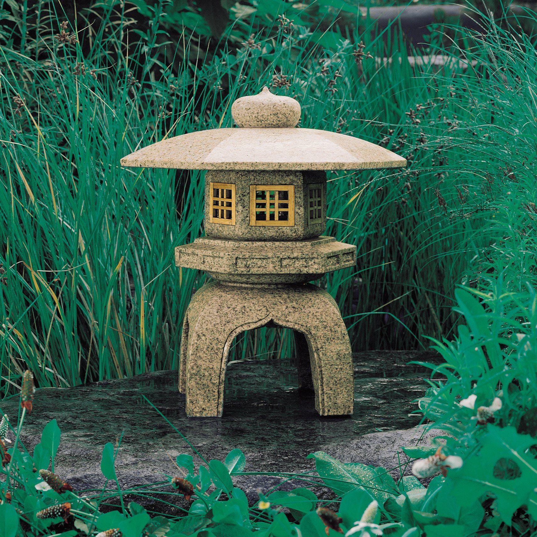 Antique Yukimi Lantern Japanese Stone Lanterns Stone Forest Jardin Zen Japonais Jardin Japonais Jardin D Eau