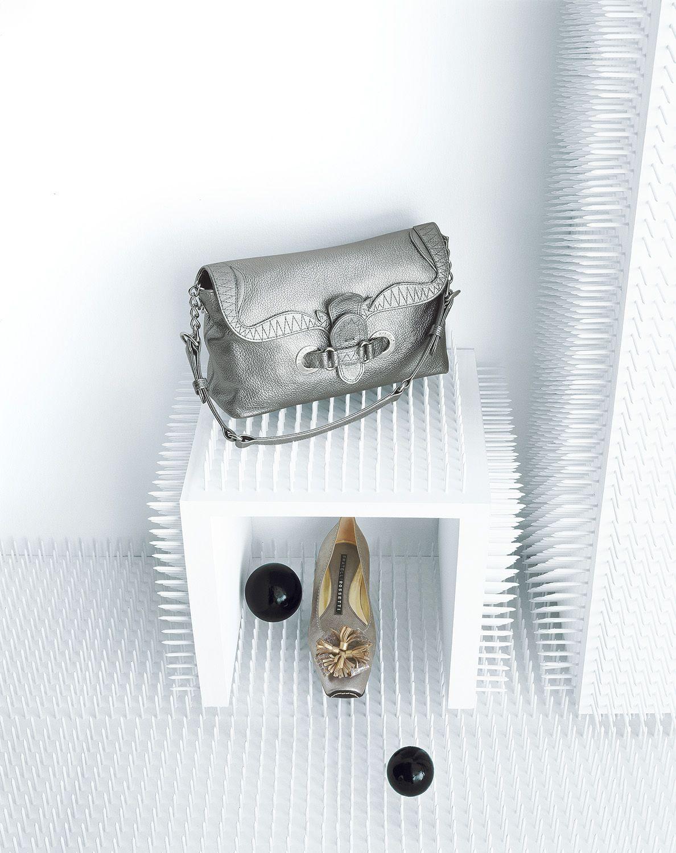 Editorial for: AMICA MAGAZINE Photo: BODHA D'ERASMO & GILDA Styling: ANNA DE FALCO Set Design: BODHA D'ERASMO & GILDA Digital Retouch: TEA DRAGANO