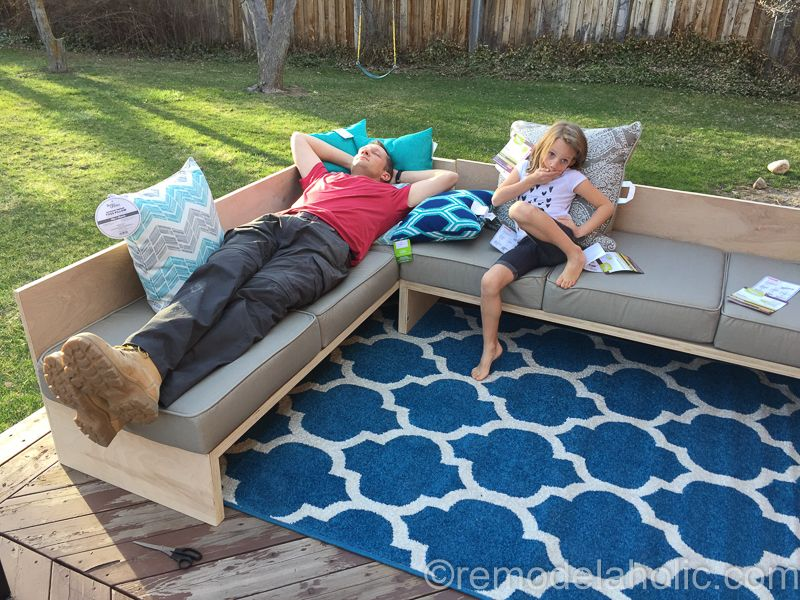 Plywood Pretty Diy Outdoor Sectional Sofa Tutorial Building Plan Patio Sectional Diy Diy Outdoor Outdoor Plywood