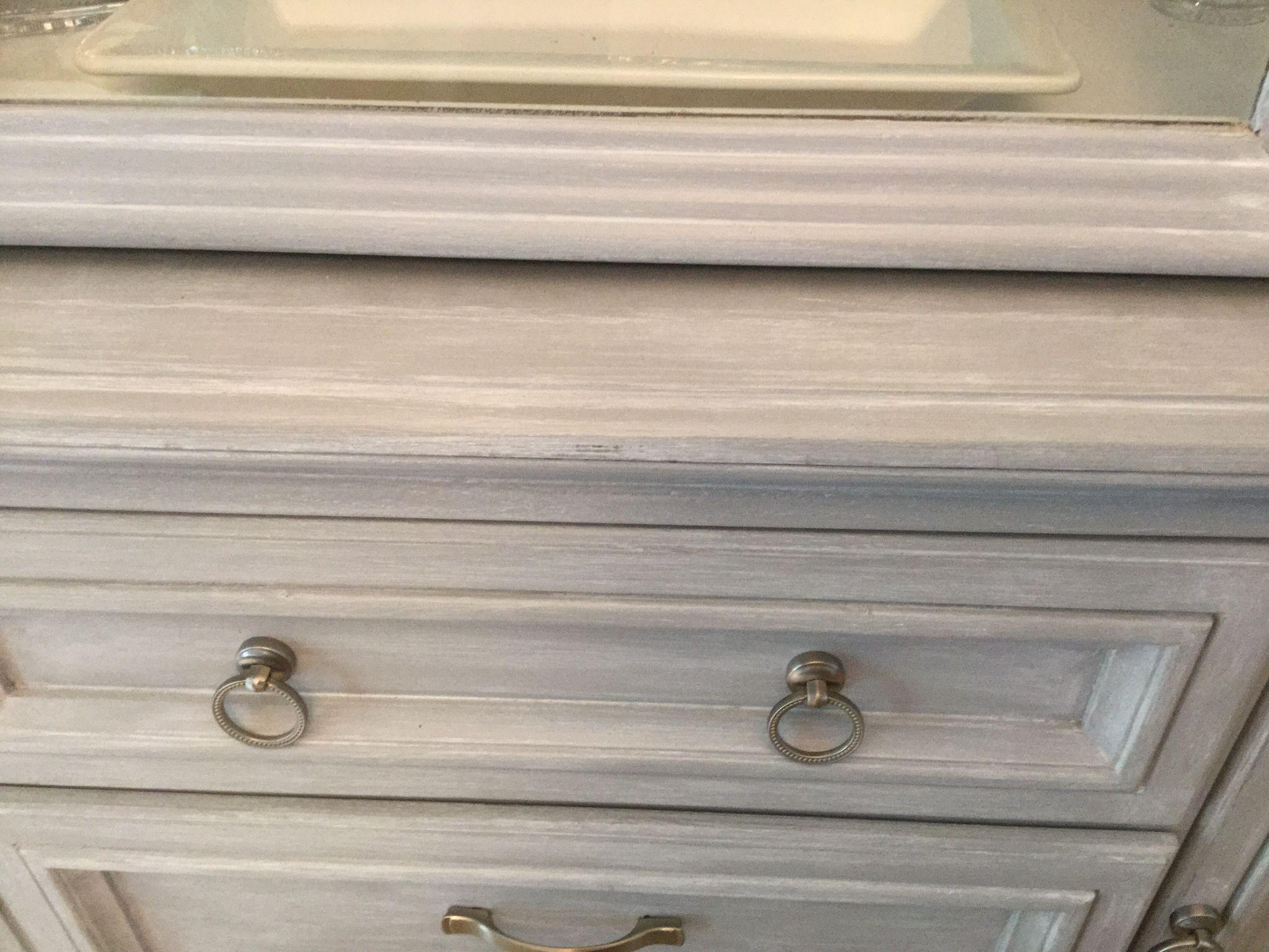 Annie Sloan Paris Gray Chalk Paint With Pure White Wash