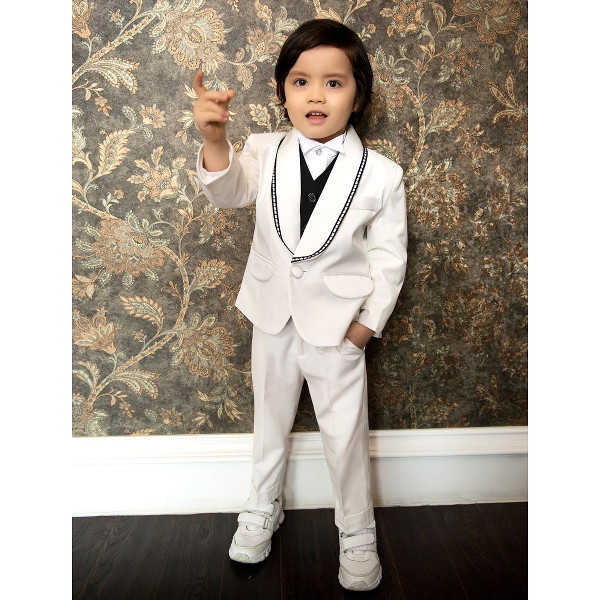 Mini with swag. Ring Bear Outfits Whits First Communion Boys Suits ...