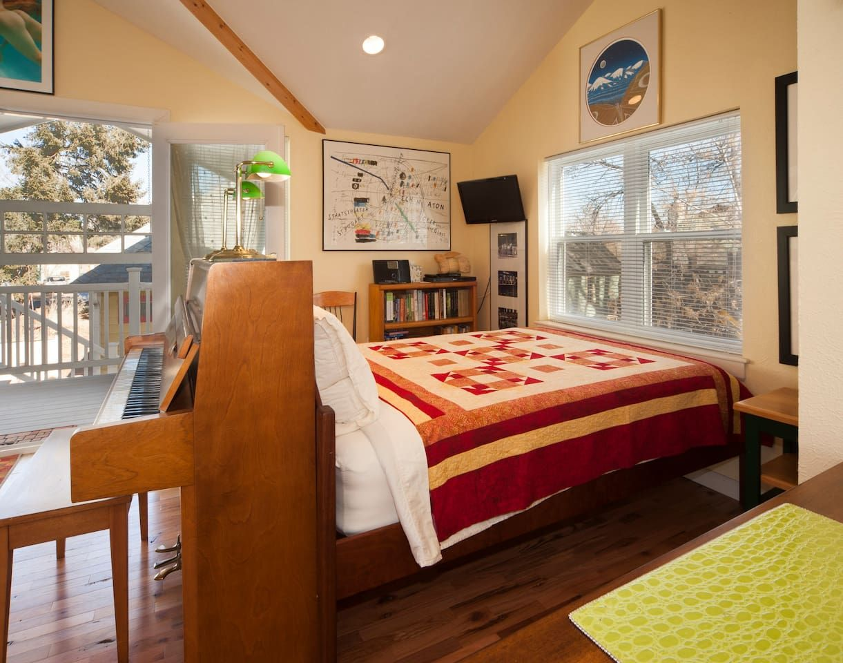 Surprising Pin By Gwen Swanson On Best Of Airbnb Colorado Home Interior And Landscaping Ologienasavecom