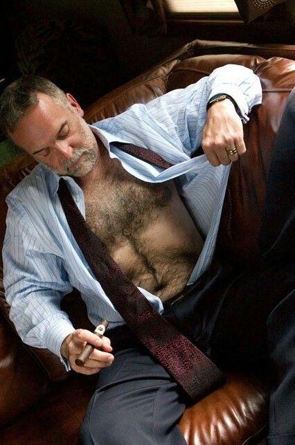 Cigar Daddy  Shirt  Hombres Hermosos, Hombres Peludos -1388