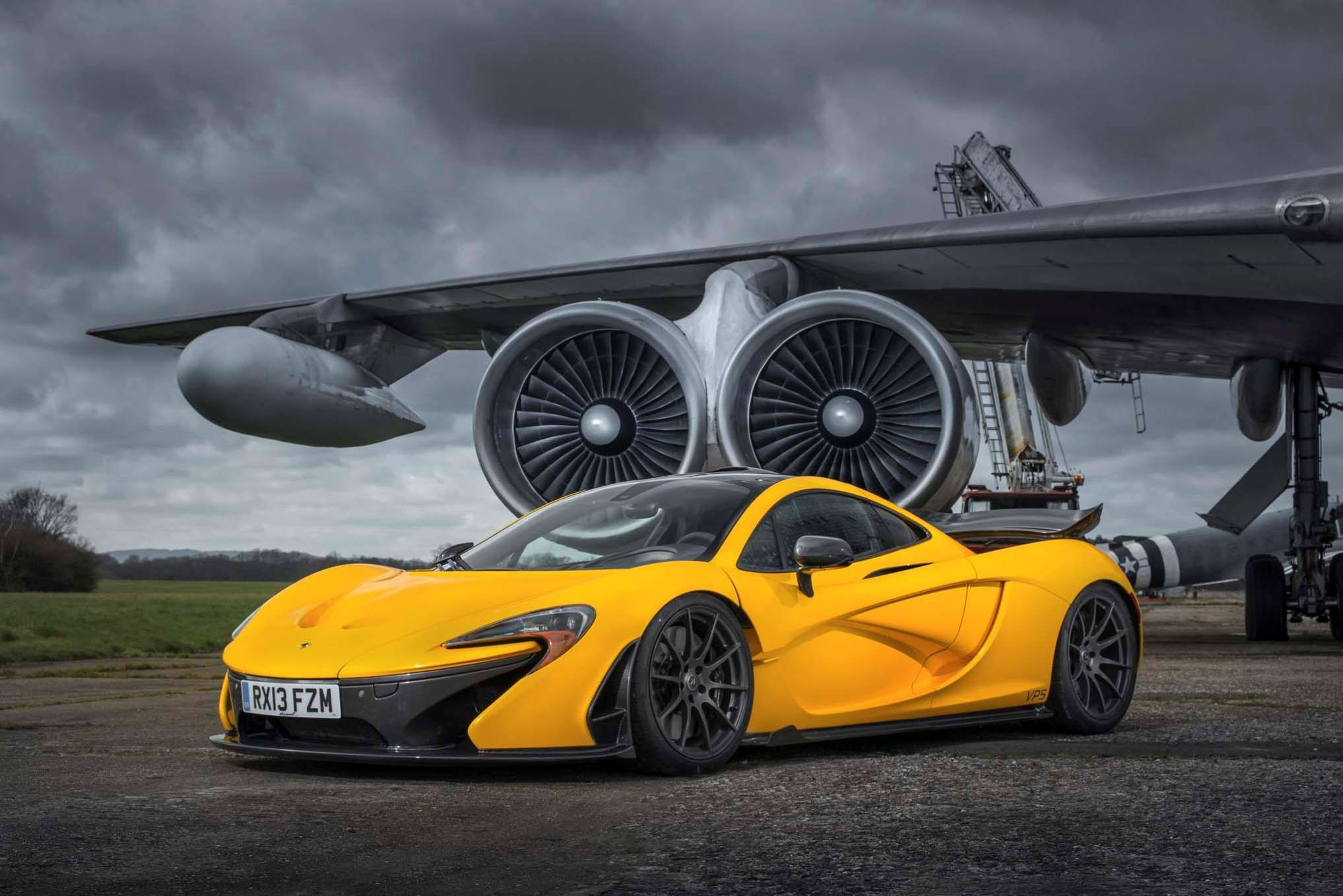 MCLAREN P Specific Output Hpliter Engine L - 8 expensive supercars 2014