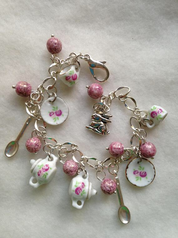 TEA PARTY Charm Bracelet. Vintage. Tea Bracelet. China Tea set. BC 02