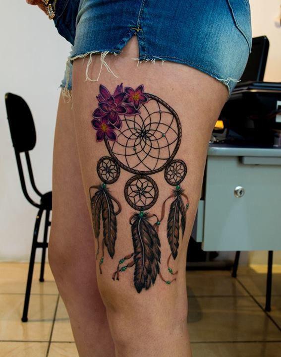 Atrapa Sueños En Plumas Realismo New School Tatuajes Atrapasueños Tatuajes Atrapasueños