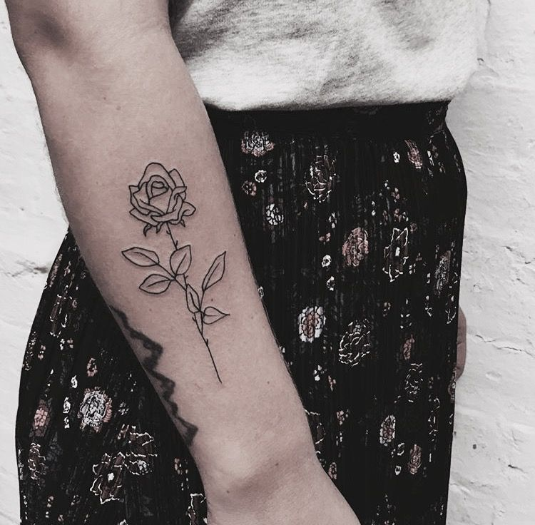 Simple Outline Black Rose Tattoo On The Right Forearm Rose Tattoos For Women Rose Outline Tattoo Rose Tattoos