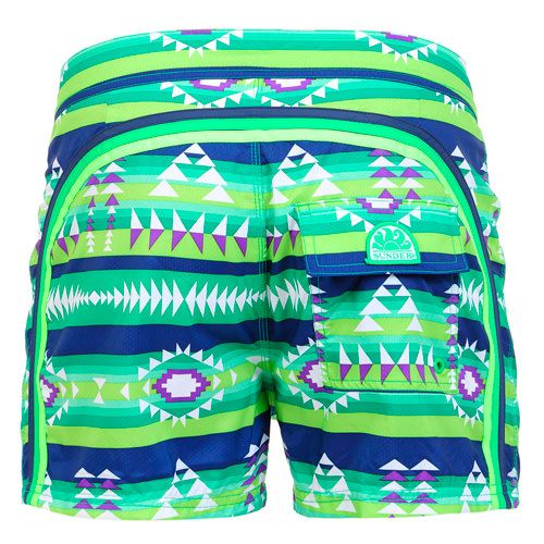 GREEN MID-LENGHT SWIM SHORTS WITH NAVAJO PRINT AND RAINBOW BANDS Green polyester low rise Boardshorts with Navajo print and featuring the three classic rainbow bands on the back. Fixed waistband with adjustable drawstring and Velcro closure. Internal net. Back Velcro pocket. Sundek logo on the back. COMPOSITION: 100% NYLON.