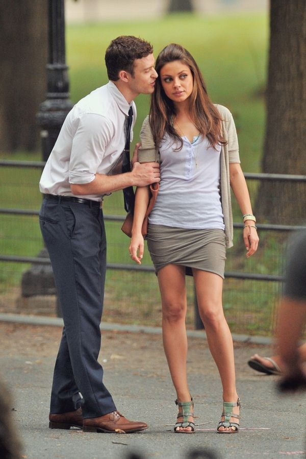 Mila Kunis And Justin Timberlake  Friends With Benefits -4945