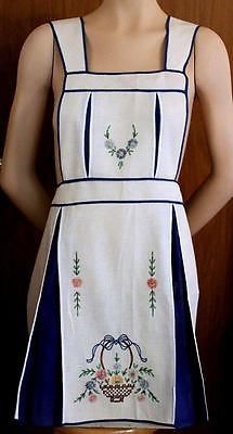 VTG 1940s Hand Made Embroidered Flowers Basket Full Pinafore APRON Unused; Excellent Condition