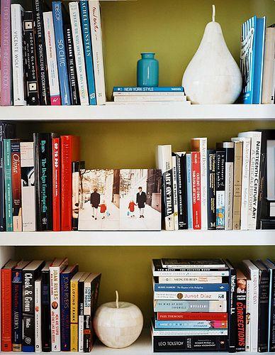 die besten 25 b cherregal organisation ideen auf. Black Bedroom Furniture Sets. Home Design Ideas