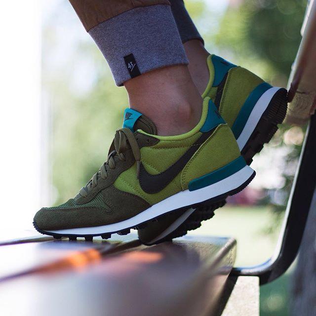 Nike WMNS Internationalist (grün) - 43einhalb Sneaker Store Fulda