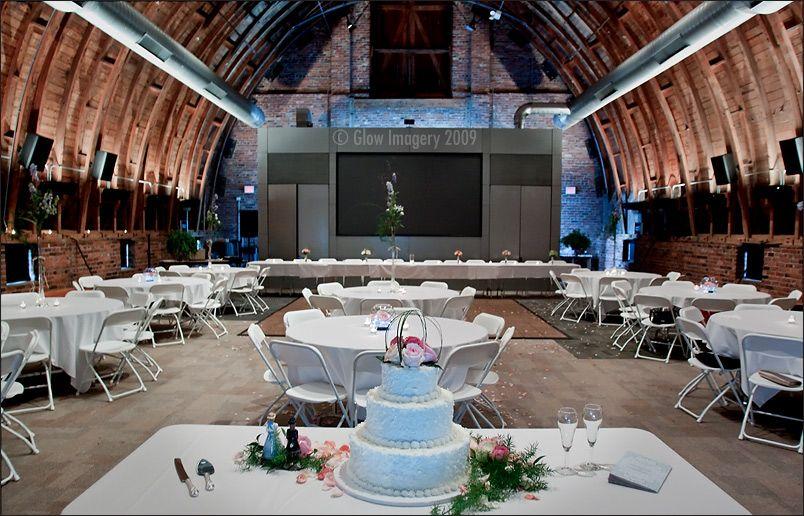 Thompson Barn / Location Lenexa, KS / Venue Type Indoor