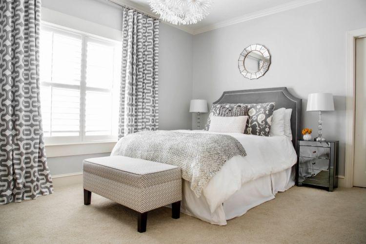 Elegant Wandgestaltung Grau Schlafzimmer Hellgrau Beige  Teppichboden Gemusterte Vorhange