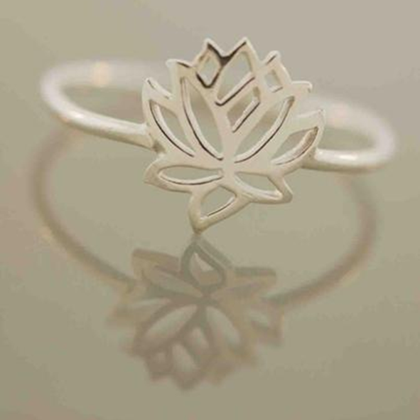 Lotus Anillo Wrap Ring    https://zenyogahub.com/collections/jewellery/products/lotus-anillo-wrap-ring