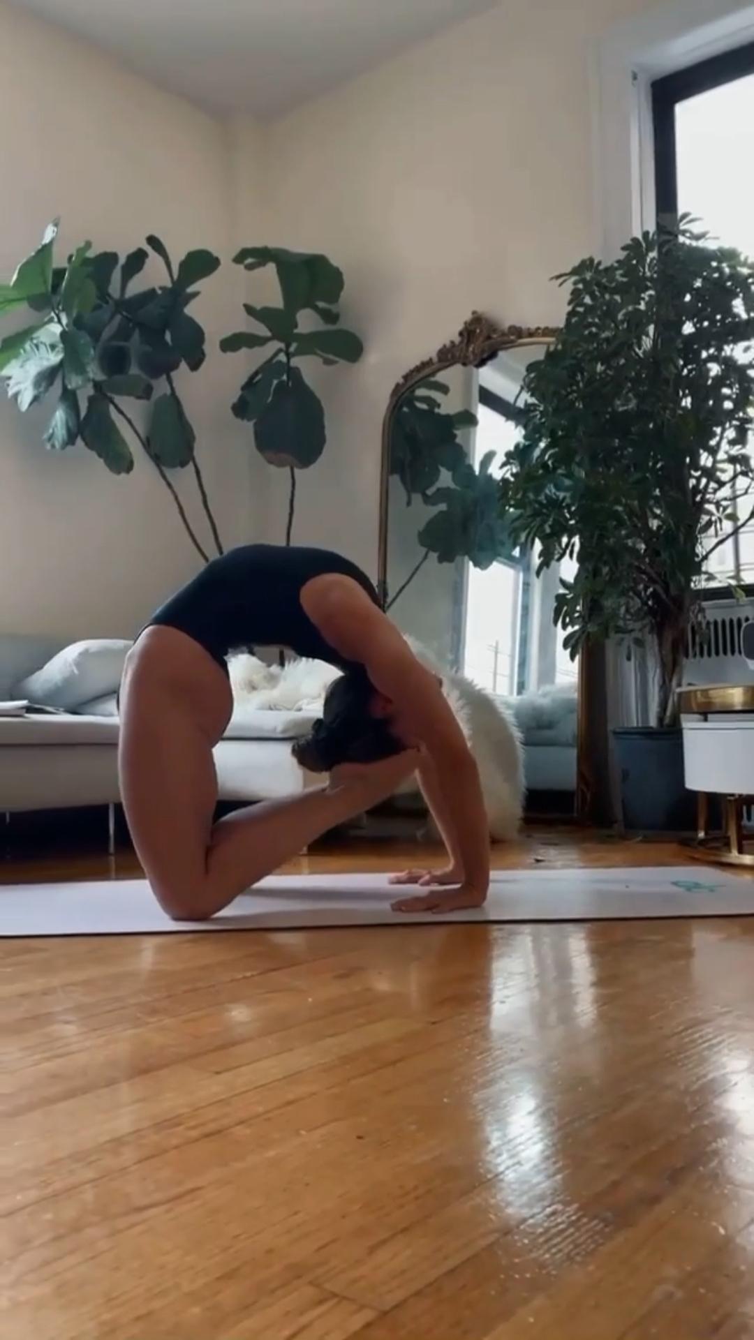 Living Room Yoga Flow!✨