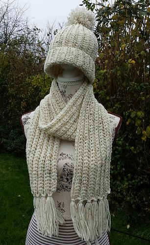 Aran Ribbed Scarf Infinity / Traditional + Fringe - free crochet ...