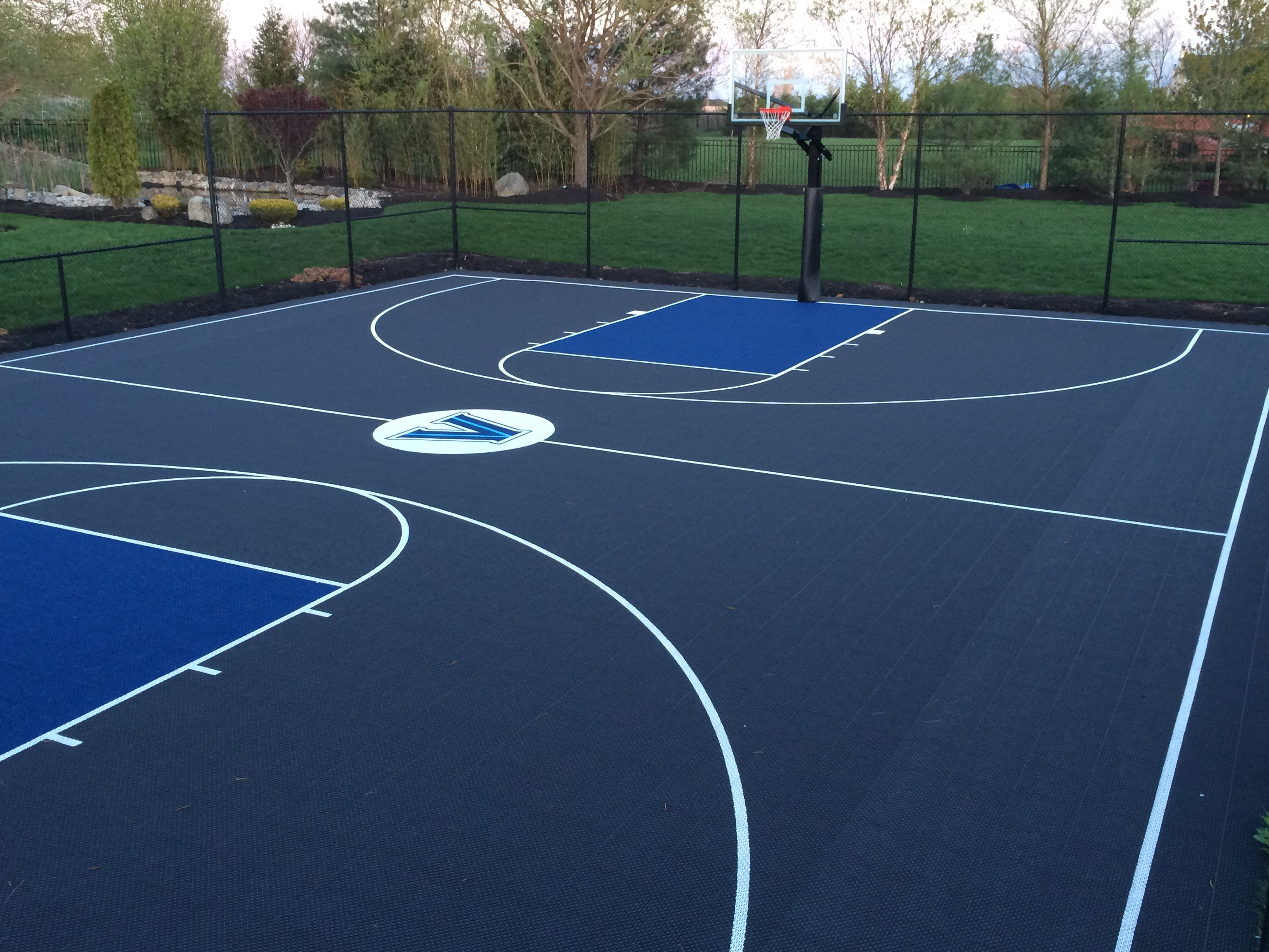 Full Sized Basketball Court Built In Moorestown Nj There Is A Small Turf Field And Batting Cage Attached On The Opposite Side Tenis Conversiones