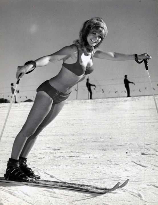 Зимняя эротика на лыжах