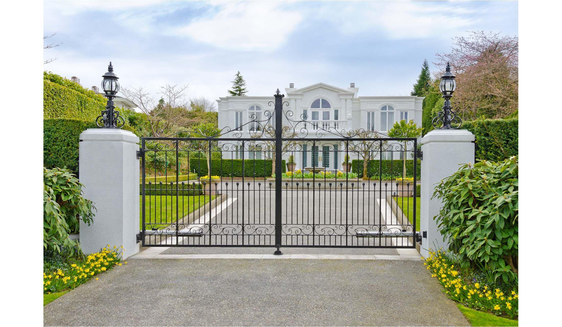 セレブの豪邸にある 鉄の扉 っていくら その費用を直撃しました