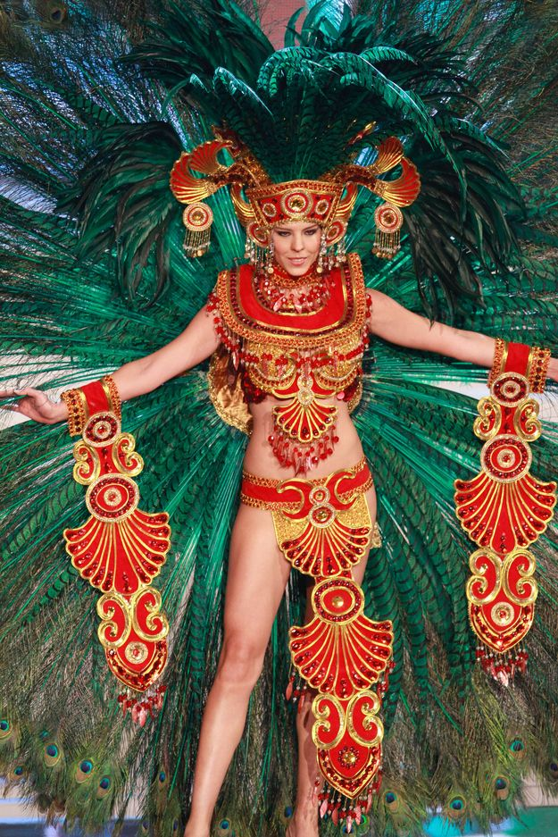 36 Most Amazingly Elaborate Miss Universe Costumes | Christmas ...