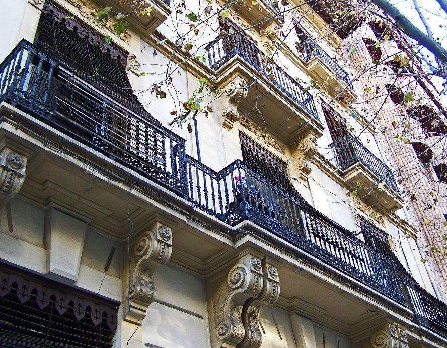 Paseo Gadea 22. Casa de los Fresnó. Las persianas venecianas de 1890.