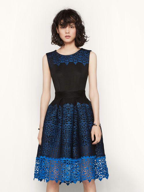 Kleid aus Strick mit Wabenmotiv RUSSE. Dieses aus Strick mit ...