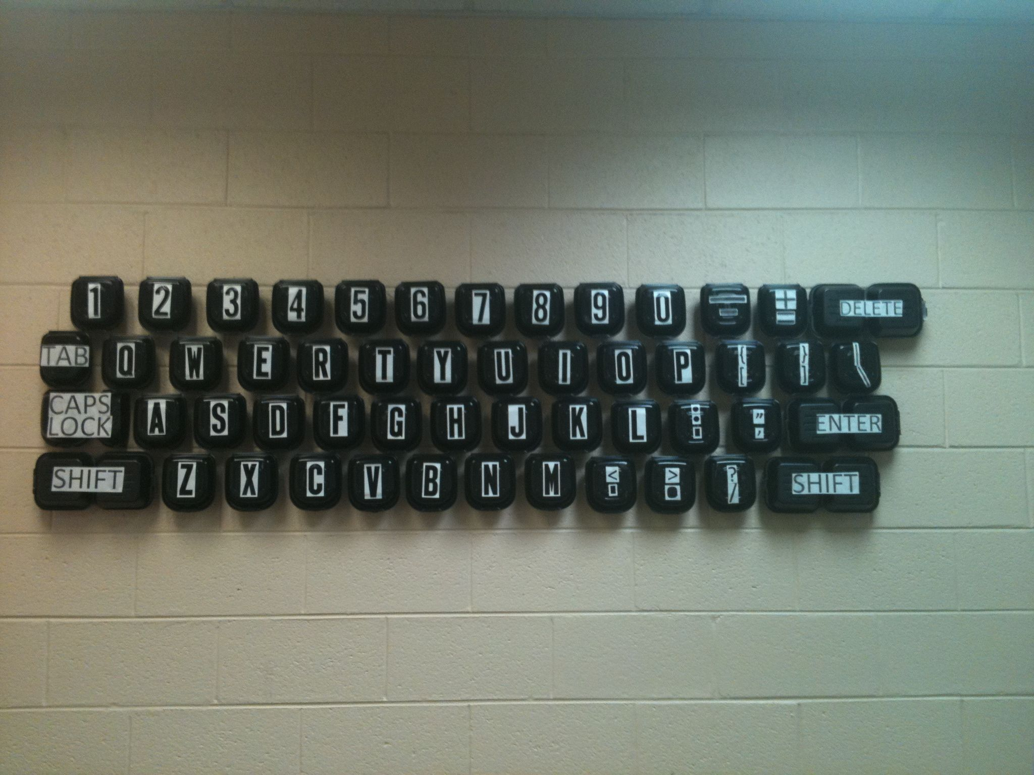 best ideas about teaching computer skills i don t teach computer skills but this looks great other pinene said i teach computer technology and made this wall size keyboard for my classroom out
