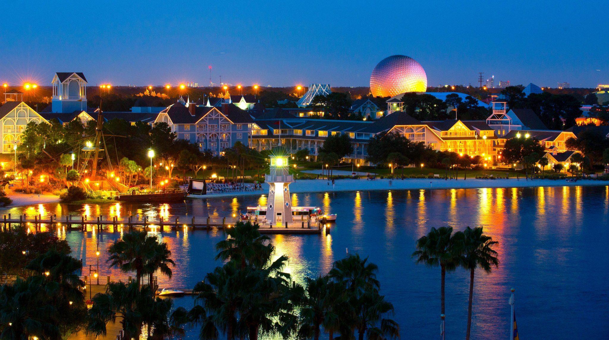 Sunset Views Overlooking Disney S Yacht Beach Club Resort Epcot