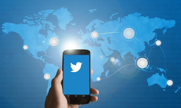 Aprende cómo reconocer a un tuitero falso | tecno.americaeconomia.com | AETecno - AméricaEconomía /// AAVB DBM&DDBV Digital #VitalSeguridad #SmartSM