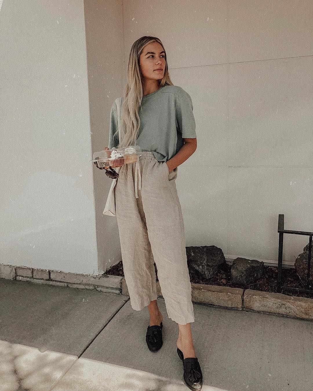 white khaki linen pants and solid tee in Minimalistic Outfit | Outfit Ideas | Nutrition Stripped