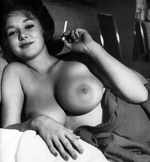 Nude and neked school garls photos